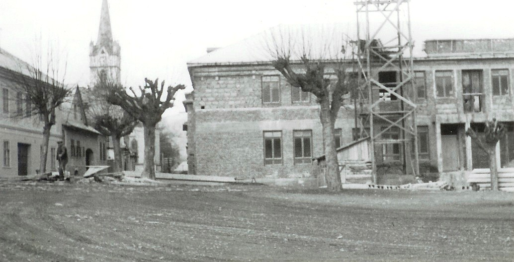 Stavba kultúrneho domu od. p. Stehla.