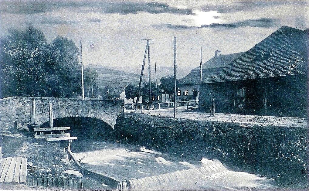 Pohľad na námestie Troch ruží z albumu Pána Stehla